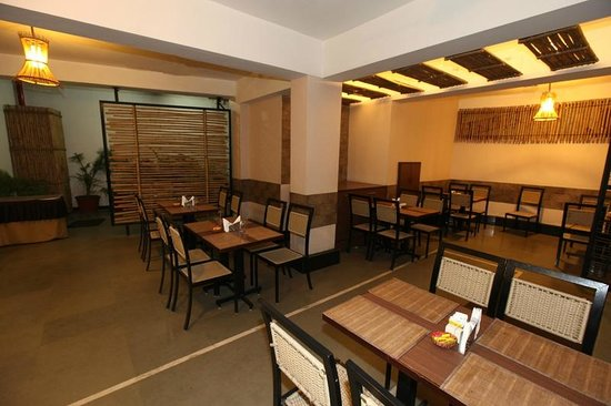 Hotel Accolade: Break-Fast Area