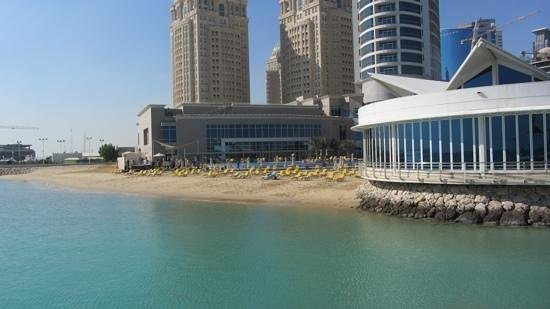 Hilton Doha: the nice, private beach