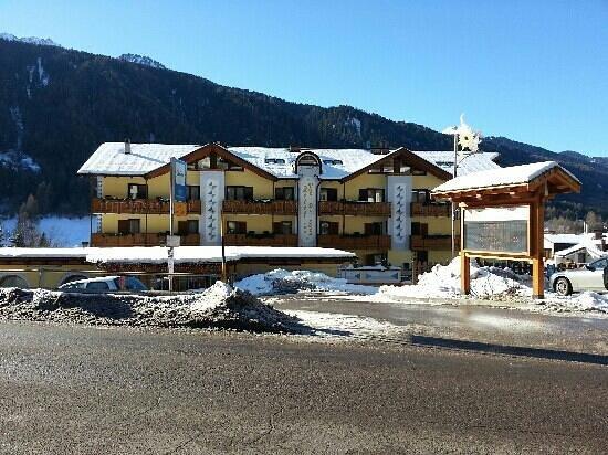 Hotel Val di Sole:                   Veduta Hotel
