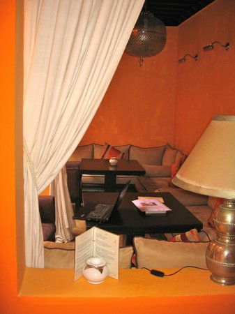 Riad Hermes: Salon dans patio