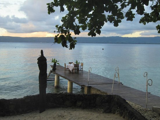 Paradise Cove Resort:                   Dinner on the jetty