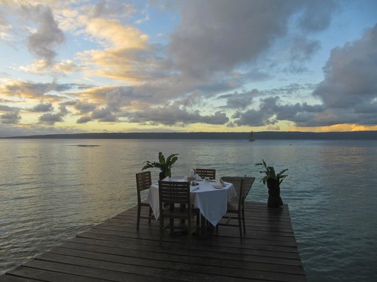 Paradise Cove Resort:                   Jetty dining