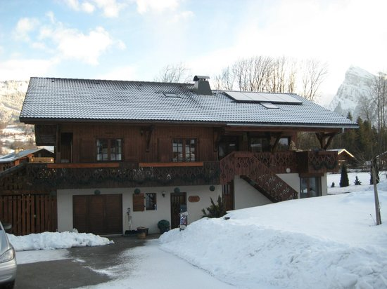 Chalet Paula:                   The Chalet (old side left, new side right)