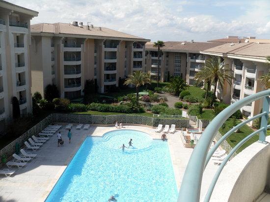 Residence Villa Borghese : La piscine de la résidence