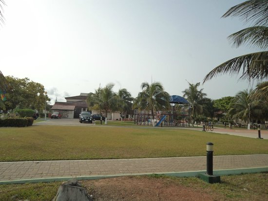 Busua Beach Resort:                   Resort view