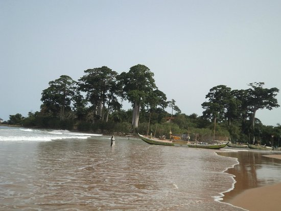 Busua Beach Resort:                   Fishing village