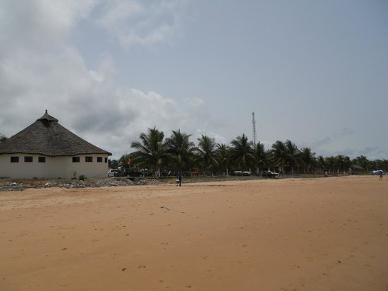 Busua Beach Resort:                   Resort