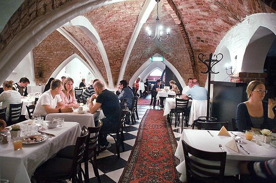 Mayfair Hotel Tunneln: Breakfast room, dates back to year 1307