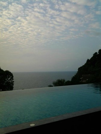 Ayara Kamala Resort & Spa:                   Room's infinity pool