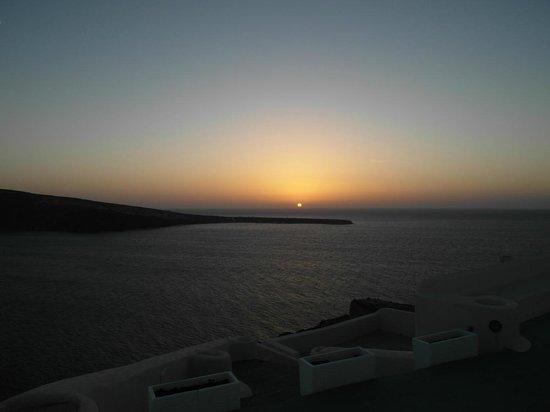 Golden Sunset Villas :                   Знаменитый закат Golden Sunset