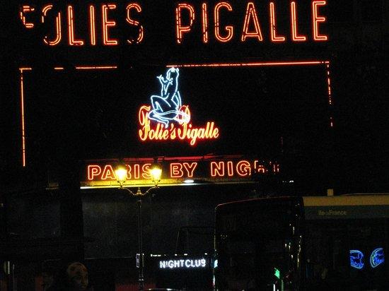 Paris by Night Illuminations bus tour : Le Follies Pigalle