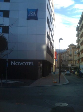 Ibis budget Lugano Paradiso:                                     La esquina del hotel