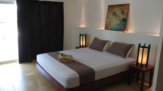 Battambang Resort: bed