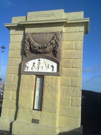 Victoria Harbour: Dunbar, East Lothian