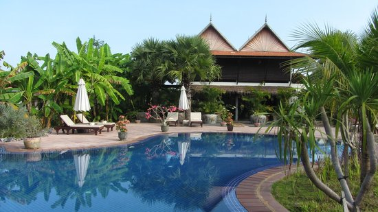 Battambang Resort: view from pool to restaurant