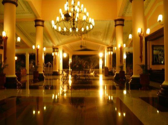 Hotel Riu Palace Tropical Bay:                   Elegant lobby
