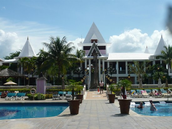 Hotel Riu Palace Tropical Bay:                   Main building from the pool area