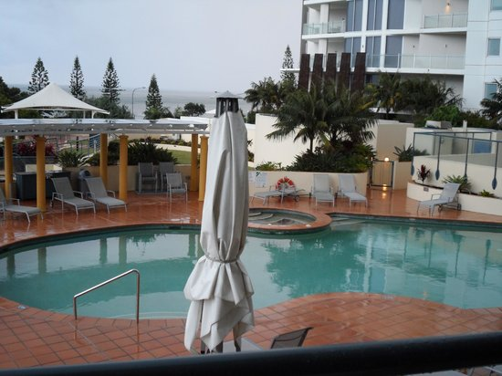 Mantra Mooloolaba Beach Resort: Pool area