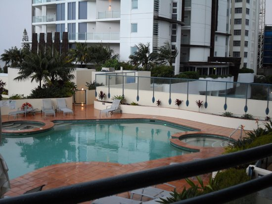 Mantra Mooloolaba Beach Resort: Australia shaped pool