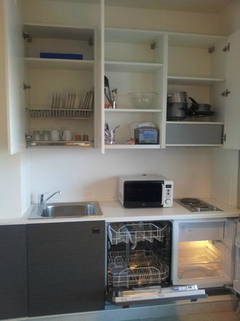 Lungotevere Suite: Complete kitchen
