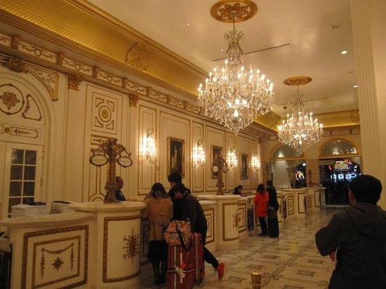 Paris Las Vegas Hotel & Casino:                   エントランス