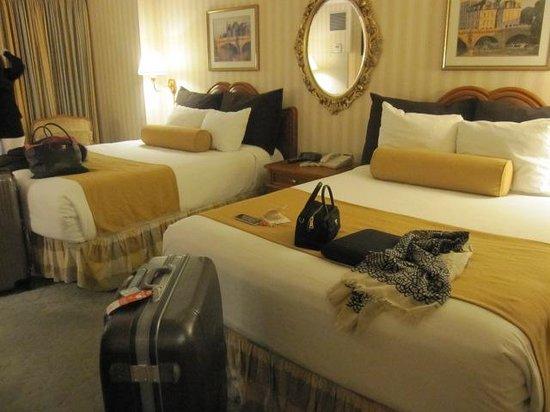 Paris Las Vegas Hotel & Casino:                   部屋