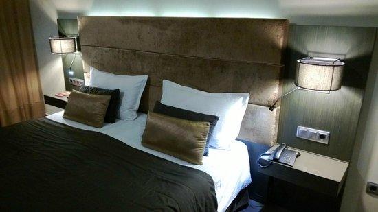 Hotel Constanza Barcelona:                   camera