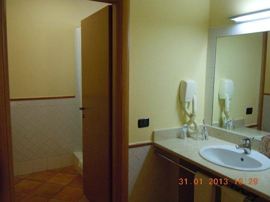 Royal Decameron Boa Vista:                                     Bathroom