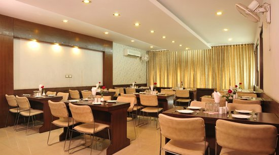 Hotel Citi International: Cafe 24