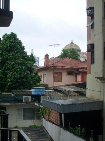 Hotel Brasil Manaus:                   Vista para o Teatro Amazonas (telhado)