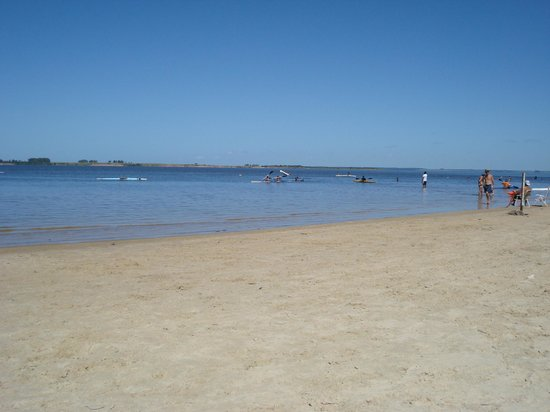 Los Medanos:                   La playa muy cerca del hotel