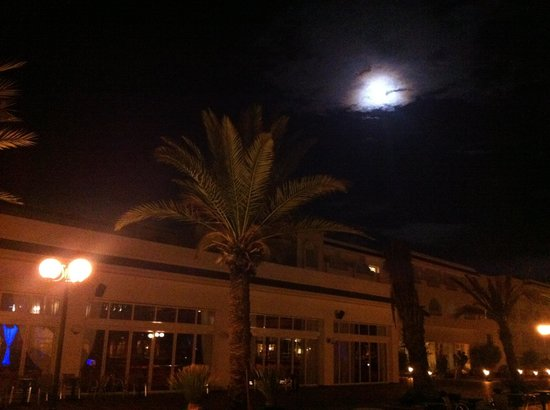 Concorde Hotel Marco Polo:                   Lovely at night