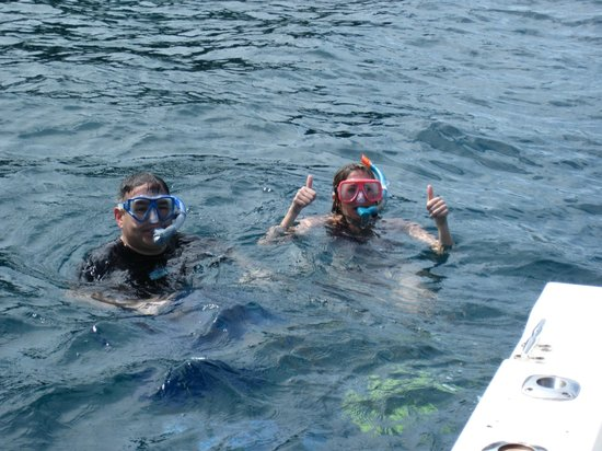 Beachwalk Charters Two Fish Flying: Happy snorkelers
