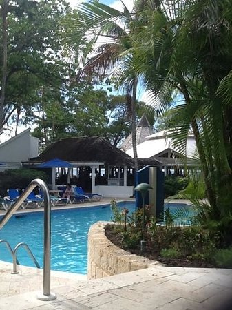 The Club, Barbados Resort & Spa:                   poolside