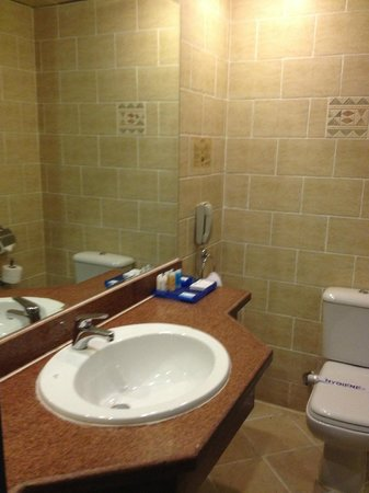 SUNRISE Select Royal Makadi Resort:                   Bathroom