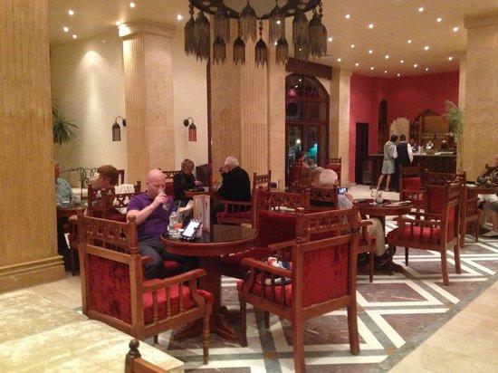SUNRISE Select Royal Makadi Resort:                   Lobby cocktail bar