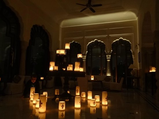 Rambagh Palace:                   Maharani room