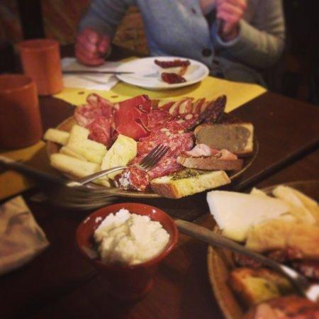 Permalico :                   Tagliere di salumi e formaggi
