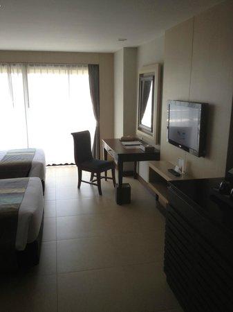 Rua Rasada Hotel & Convention Center: Deluxe twin room
