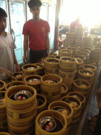 Rua Rasada Hotel & Convention Center: Breakfast at Ruen Thai (7 minute drive from the hotel)