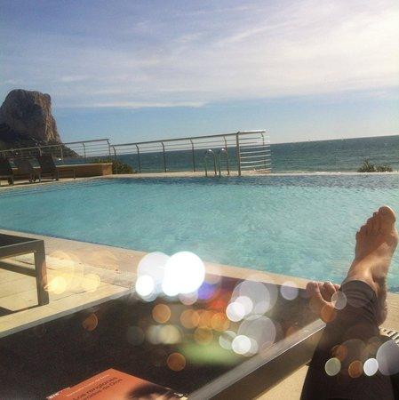 Gran Hotel Sol y Mar:                   En la piscina