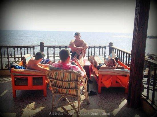 Ali Baba Hotel: Terrace/ sunbathing