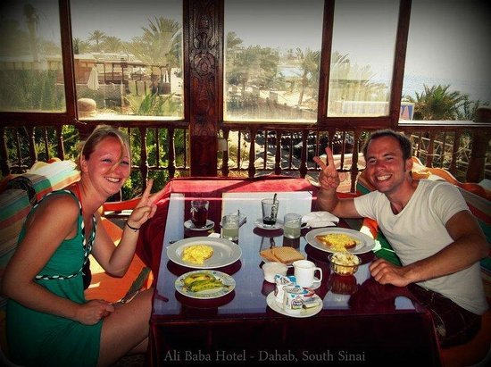 Ali Baba Hotel: Breakfast on terrace