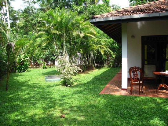 Dalmanuta Gardens - Ayurvedic Resort & Restaurant:                   Bungalow and our own private garden