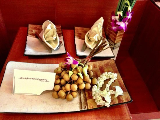 La Flora Resort Patong:                   Fruit plate greeting us
