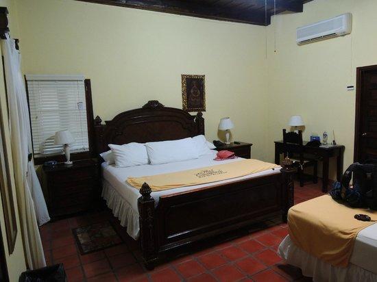 Hotel Casagrande:                   Habitacion #9