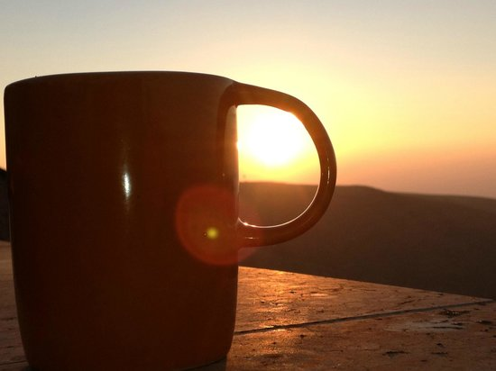 Dead Sea View: AM coffee on the patio