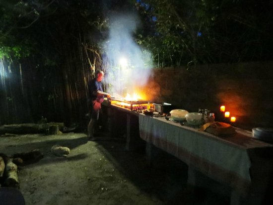 A Day in Africa Lodge : Braai at the excotic boma