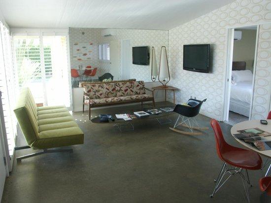 Del Marcos Hotel:                   Living Room
