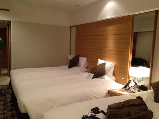 Kyoto Brighton Hotel:                   triple bedroom - very spacious by Japanese standard